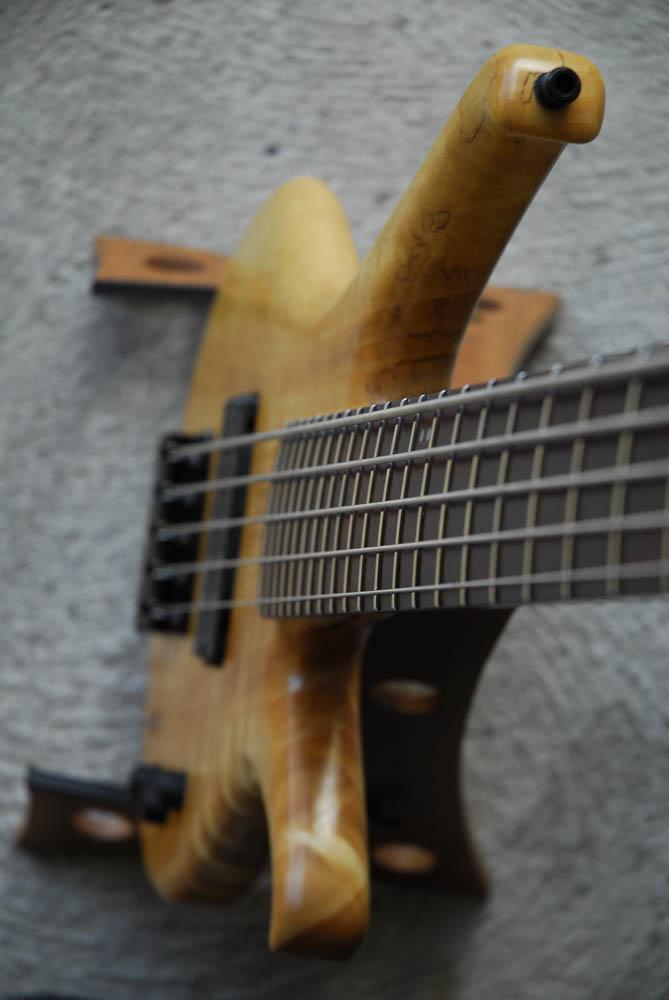legno-e-corde-liuteria-como-basso-artigianale-aerys