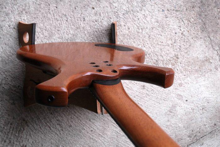 legno-e-corde-liuteria-como-basso-artigianale-shrek-8