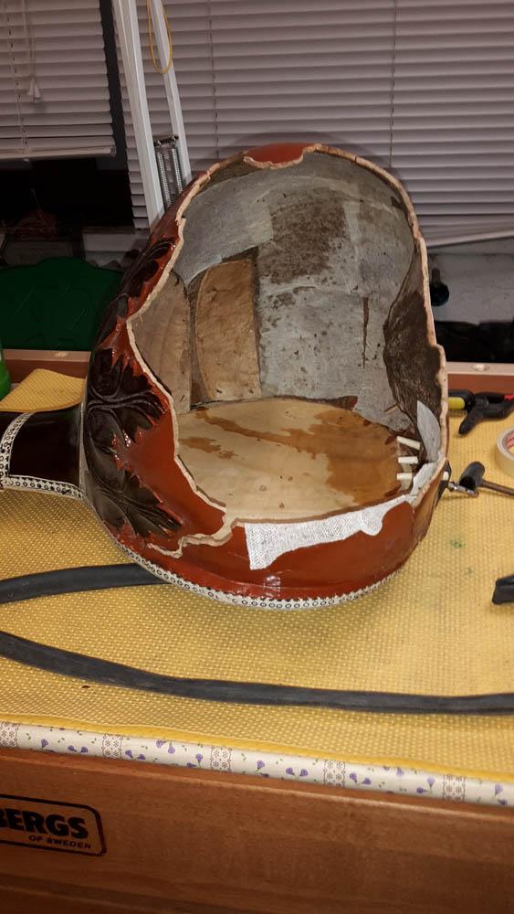 Sitar indiano liuteria a como restauro legno e corde